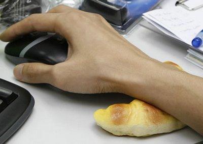 Булка - подставка под руку